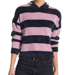 Romeo & Juliet Couture Soft Cropped Knit Hoodie